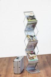 Prospektständer klappbar 6 x A4 mit glasklarer Ablagefläche
